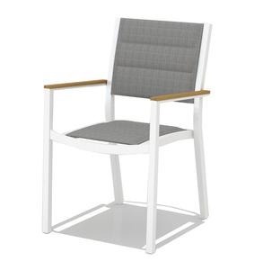 Tarrington House  Stuhl mit Amlehnen, Aluminium / Textilene / FSC Teakholz, gepolstert