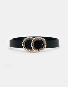 Schwarzer Gürtel mit Schnalle aus Perlen