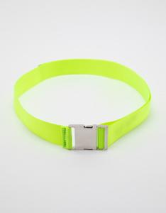 Neongrüner Gürtel mit Schalle