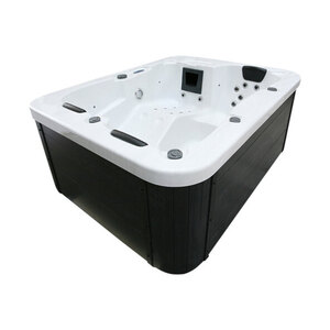Outdoor-Whirlpool White Marble
