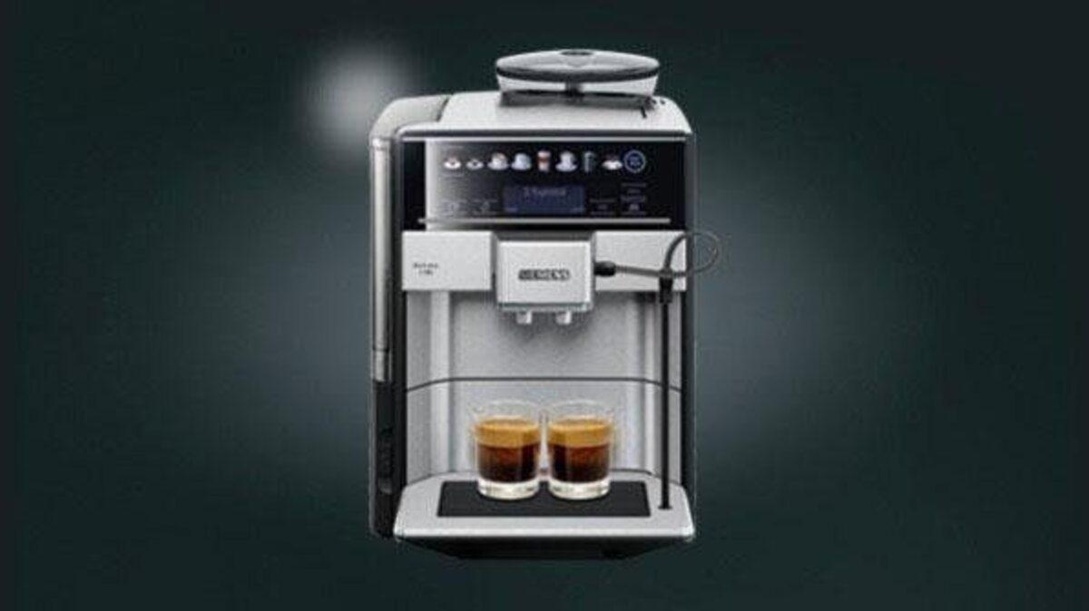 Bild 2 von SIEMENS Kaffeevollautomat EQ.6 plus s700 TE657503DE, automatische Reinigung, zwei Tassen gleichzeitig, 4 individuelle Profile, beleuchtetes Tassenpodest, Edelstahl