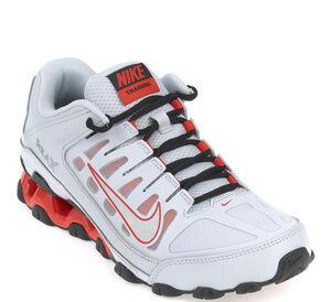 Nike Sneaker - REAX 8