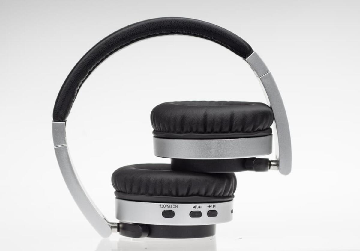 Bild 2 von Denver Bluetooth Over-Ear Kopfhörer BTN-206 mit Noice Reduction