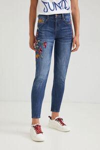 Ankle-Jeans Boyfriend Fit Stickerei