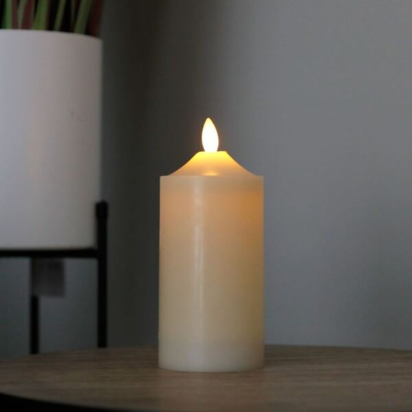 LED-Altarkerze 7,5x17,5cm Elfenbein