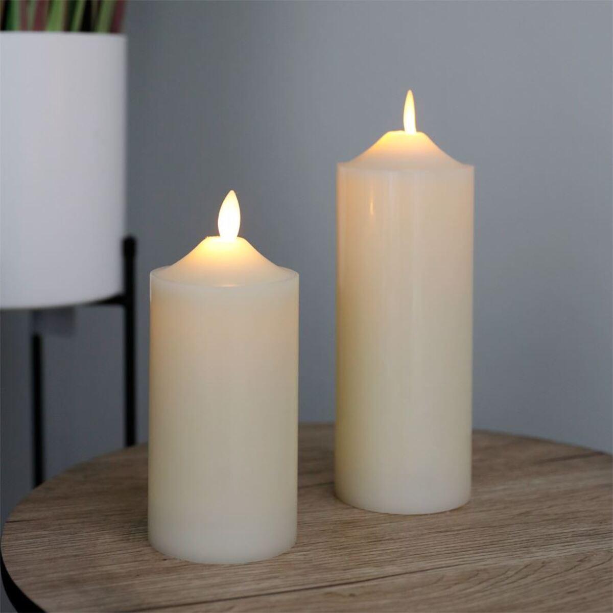 Bild 2 von LED-Altarkerze 7,5x17,5cm Elfenbein