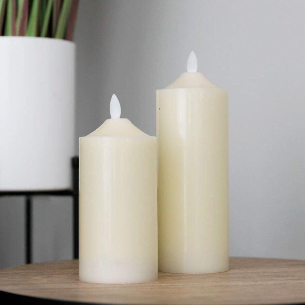 Bild 3 von LED-Altarkerze 7,5x17,5cm Elfenbein