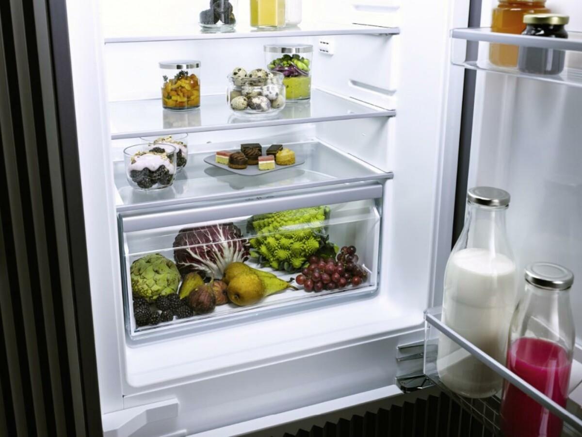 Bild 2 von MIELE K7104E EU1 Selection Einbaukühlschrank mit Gefrierfach (integrierbar, EEK E, 124 l Nutzinhalt, TouchControl, Display, 87,4 cm hoch, 55,8 cm breit)