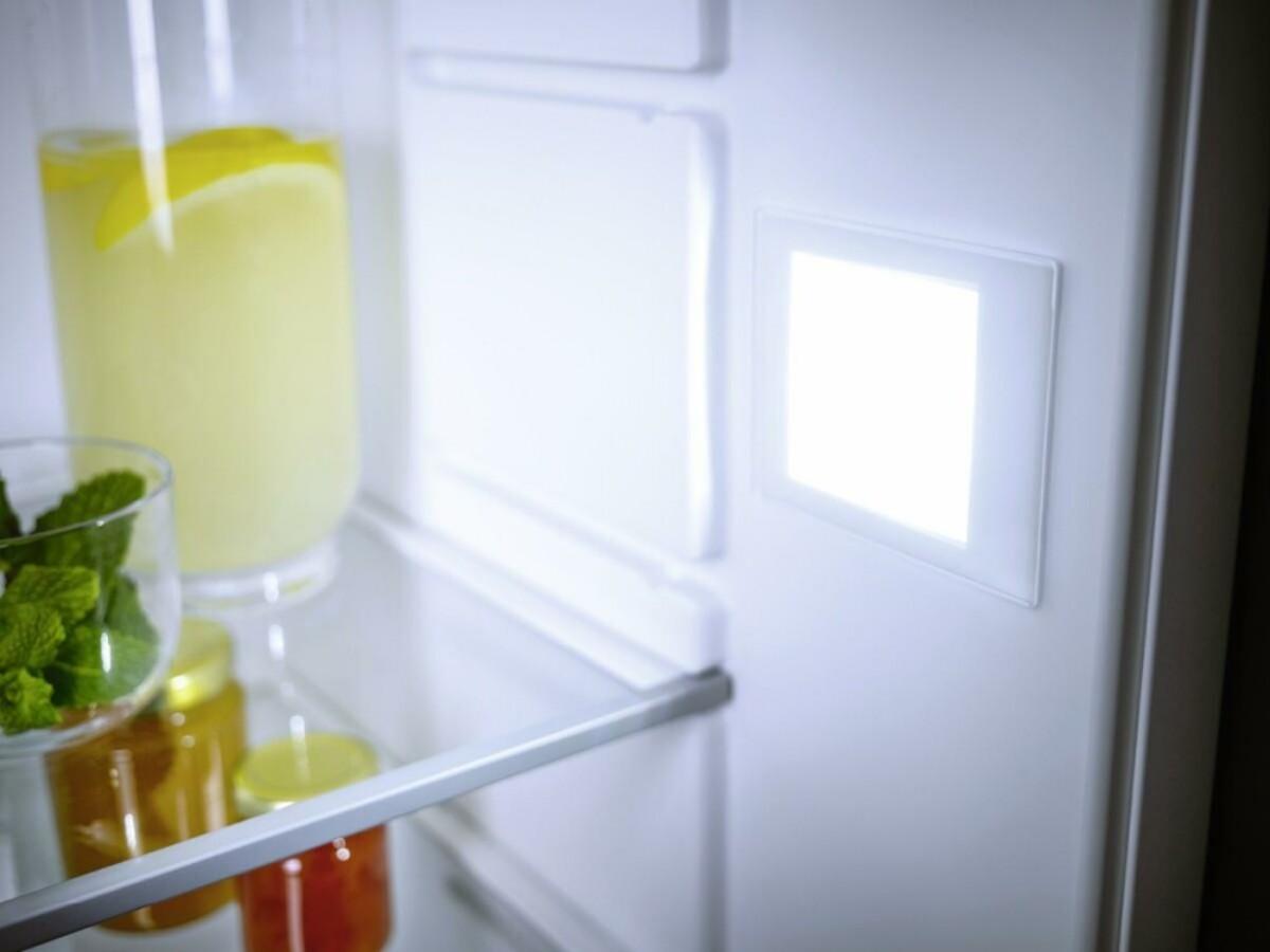 Bild 4 von MIELE K7104E EU1 Selection Einbaukühlschrank mit Gefrierfach (integrierbar, EEK E, 124 l Nutzinhalt, TouchControl, Display, 87,4 cm hoch, 55,8 cm breit)